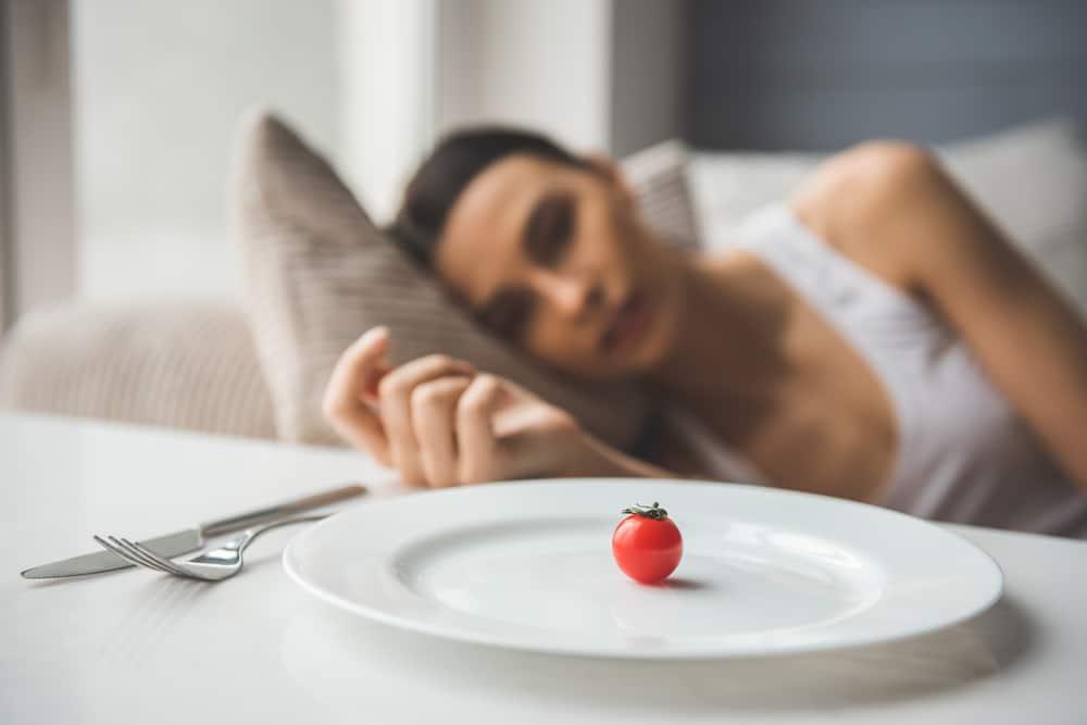 jak dożywiać osoby w anoreksji