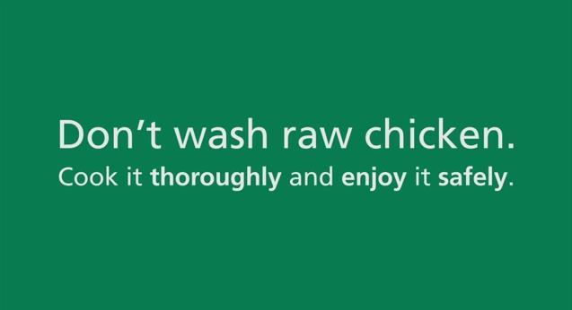 Mycie kurczaków zwiększa ryzyko zatrucia !