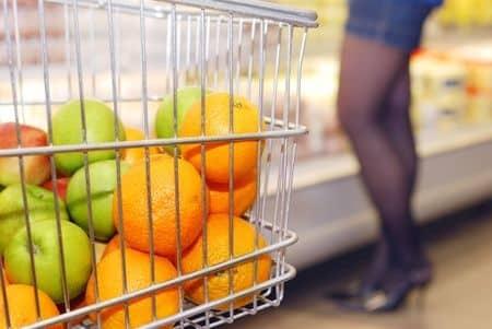 Jemy mniej dietetycznego jedzenia (i dobrze!)