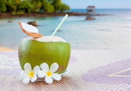 Co jeść, by nie przytyć na wakacjach?