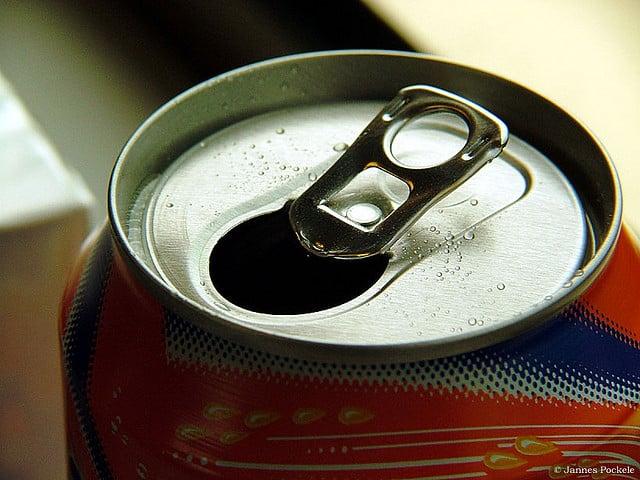 184 000 śmierci rocznie powiązanych ze spożyciem słodzonych napojów
