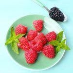 Lubisz maliny i jeżyny? Co powiesz na włączenie do diety także liści?