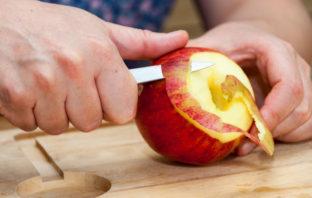 jabłko ze skórką czy bez