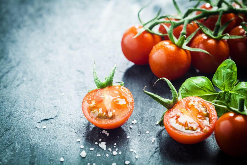 świeze pomidory