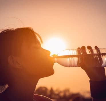 co pić w gorące dni