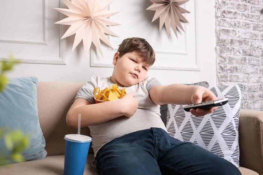 otyły chłopiec telewizja