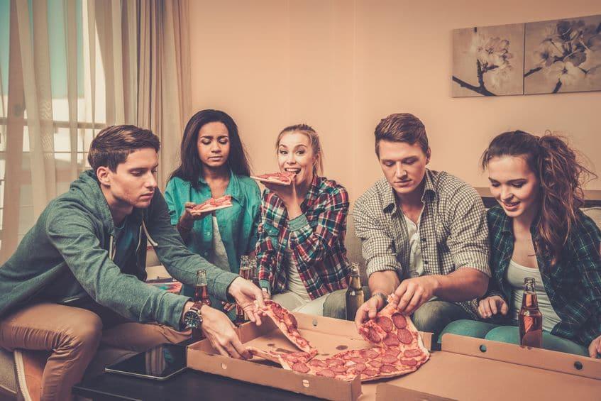 studenci pizza