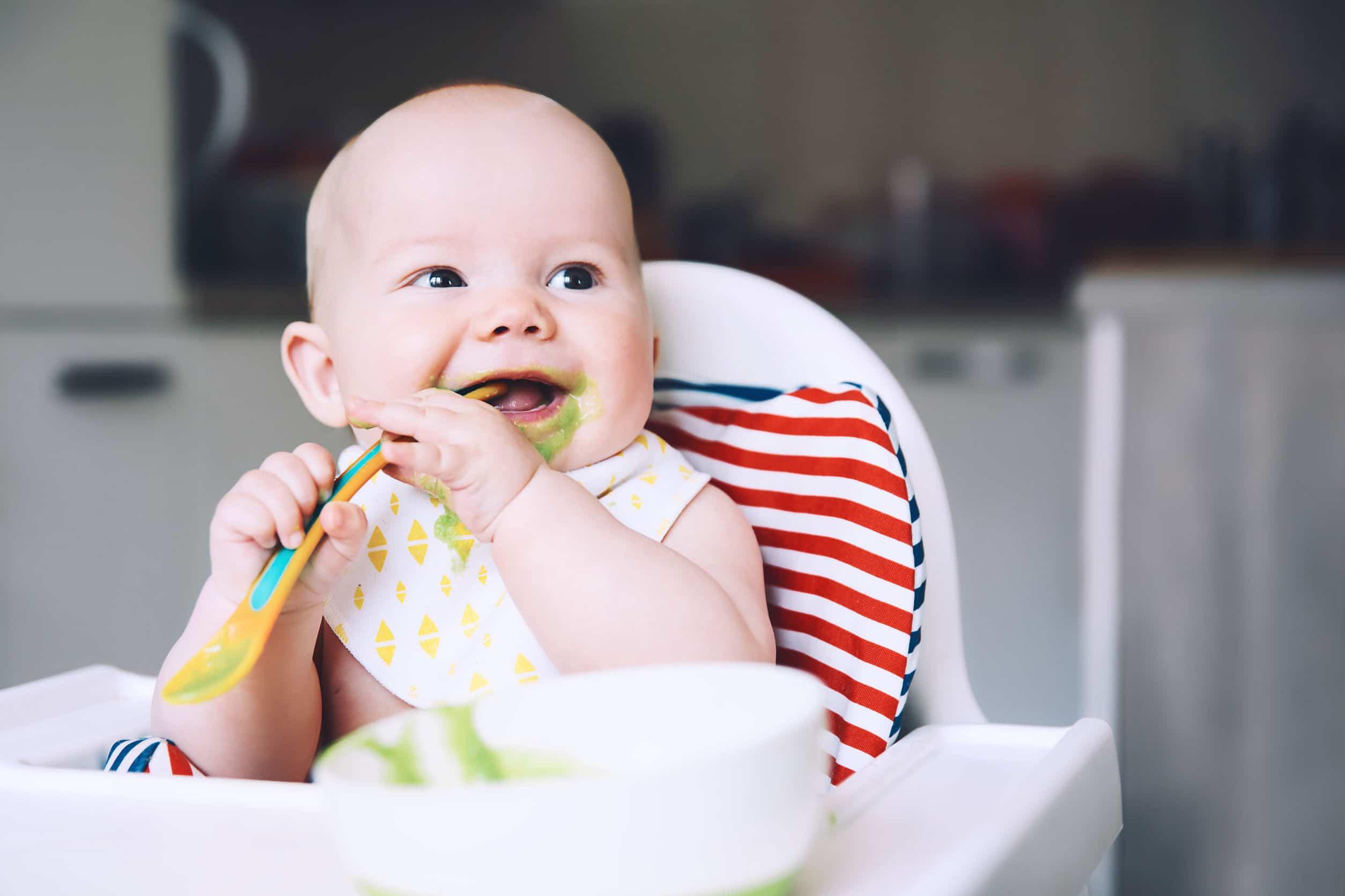 niemowlę jedzenie