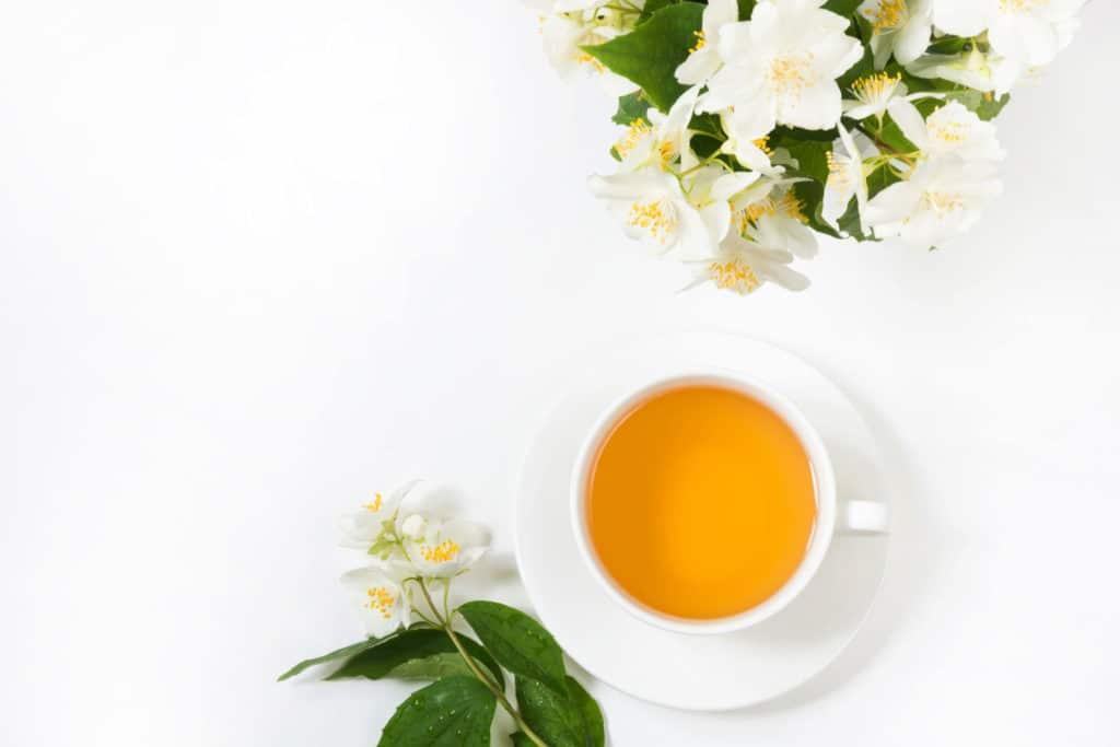 biała herbata kwiaty
