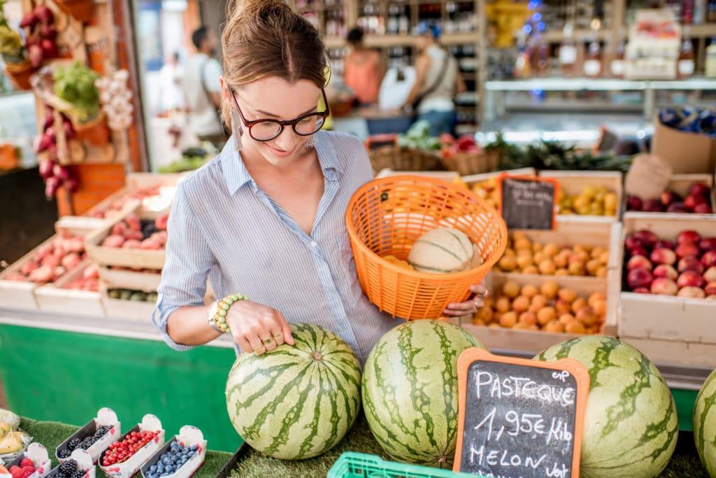 kupowanie arbuza