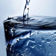 woda szklanka