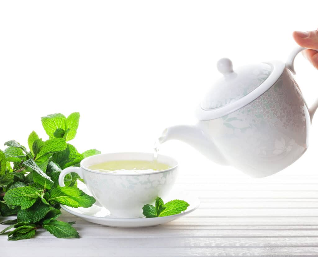 herbata miętowa dzbanek
