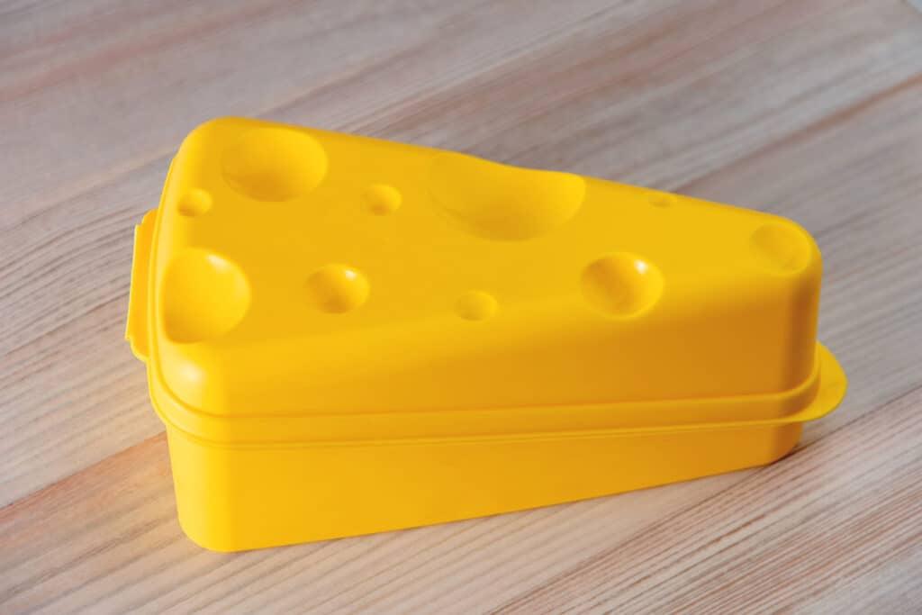 przechowywani sera pojemnik